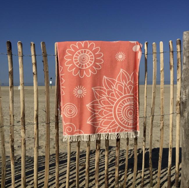 "Bild von Strandtuch ""Cala Vadella"" (100 x 190 cm) - Beauty Coral"